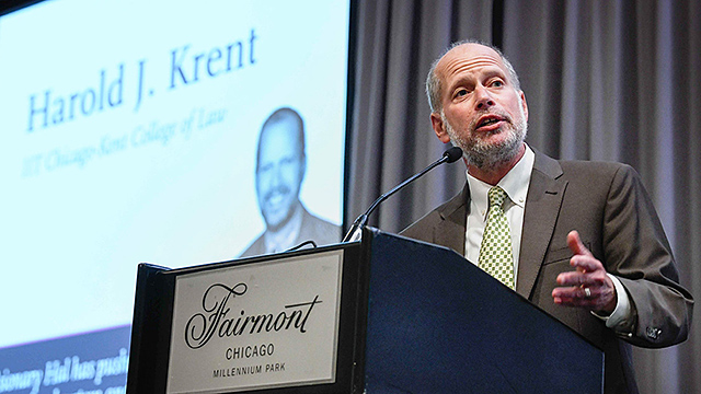 Dean Harold Krent accepted the 2018 Leonard Jay Schrager Award for Excellence on July 12 at the Chicago Bar Association and Chicago Bar Foundation's Pro Bono & Public Service Awards Luncheon. | Photo: Bill Richert for the Chicago Bar Foundation