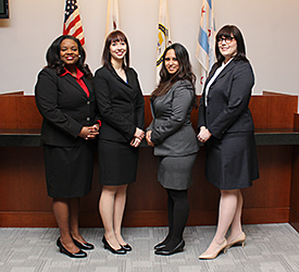 Kendra Spearman '16, Lindsay Hicks '16, Sona Arora '17 and Tracey Harkins '16 will compete on one team representing Chicago-Kent at the 2016 AAJ Student Trial Advocacy Regional Competition.